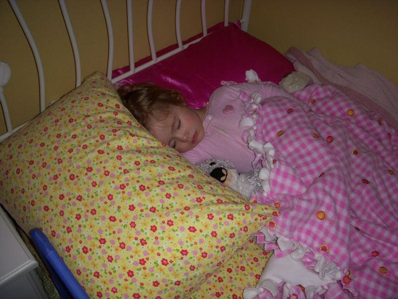 First night in her big girl bed - No problem